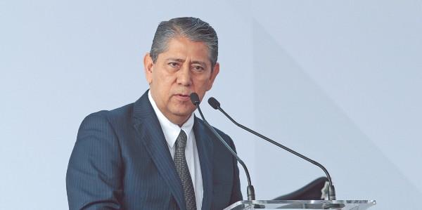 APOYO. Gilberto Higuera aseguró que el incremento de funcionarios mejorará los servicios. Foto: ENFOQUE