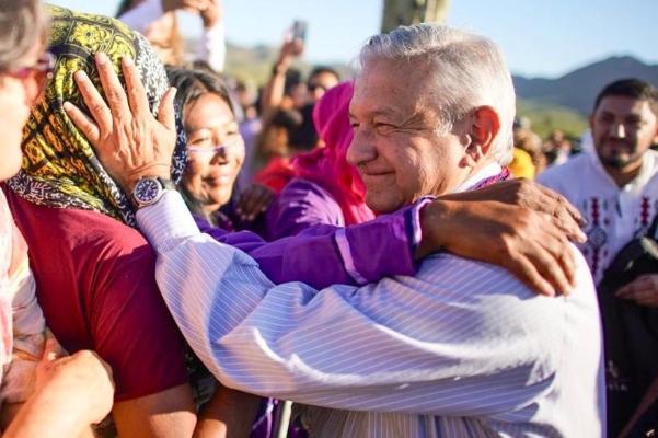 El mandatario estuvo en Bahía de Kino, Sonora. Foto: Presidencia