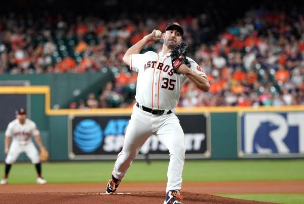 REVANCHA. El lanzador de Houston va por un broche dorado. Foto: AP