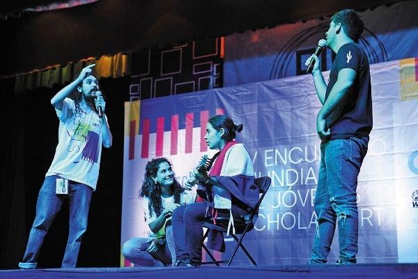 VÍNCULO. A través del canto y el baile, los participantes expresaron sus intereses, así como la problemática que enfrenta la juventud. Foto: Nayeli Cruz