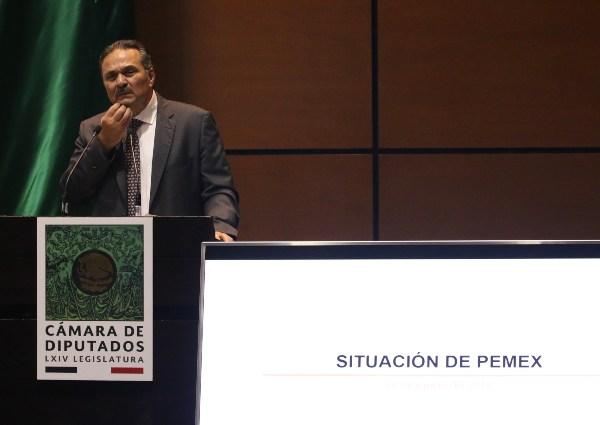 Octavio Romero Oropeza, Director General de Petróleos Mexicanos, durante su comparecencia en el Salón legisladores de la Cámara de Diputados. Foto: Cuartoscuro