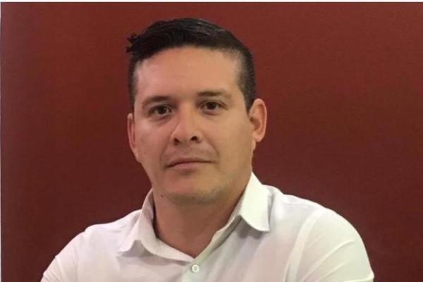 Alejandro Espinoza Medina. Especial