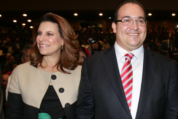Javier Duarte de Ochoa, y su esposa, Karime Macías de Duarte.  FOTO: JUAN PABLO ZAMORA /CUARTOSCURO.COM