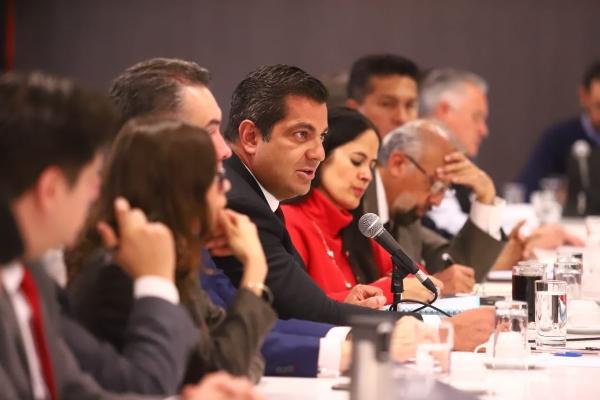 Ricardo Peralta señaló que por el momento no hay una regulación federal para plataformas que ofrecen servicio de transporte. FOTO: @Ricar_peralta
