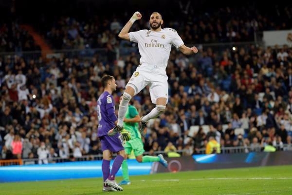 Karim Benzema también apareció con gol en el Real Madrid. EFE