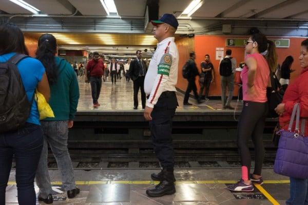 metro_hidalgo_riña_mujeres_gas_pimienta