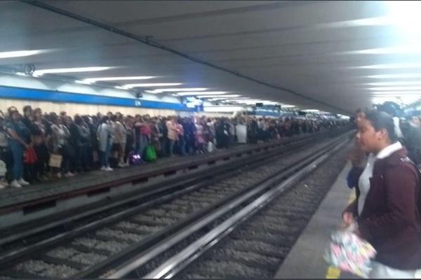 La estación del metro Allende se vio afectada. Especial