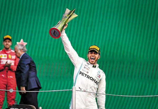 GANADOR. El piloto británico, Lewis Hamilton fue el triunfador indiscutible de la carrera. Foto: Nayeli Cruz / JDS Agencia
