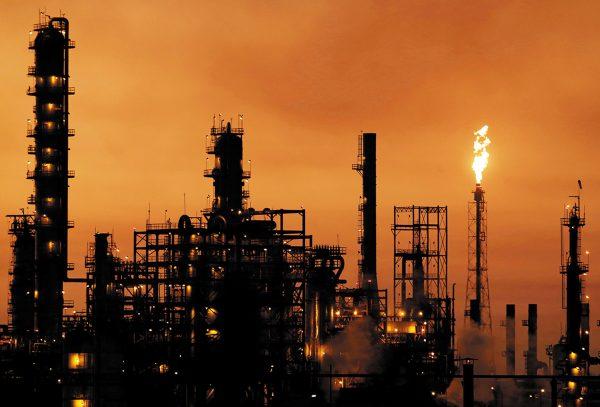 LENTO. La rehabilitación de la refinería de Cadereyta, que fue inaugurada en 1979, inició en 2012. Foto: REUTERS