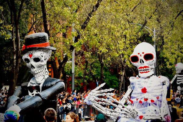 Desfile de Día de Muertos irá desde la Estela de Luz al Zócalo_ Argel Gómez