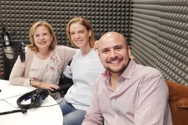 Las doctoras Ruth Axelrod y Rocío Arocha, junto con el doctor José Estrada hablan sobre el duelo. FOTO: ESPECIAL