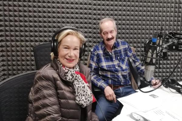 Guadalupe Loaeza conversó con el doctor Enrique Goldbard sobre Leonardo Da Vinci FOTO: ESPECIAL