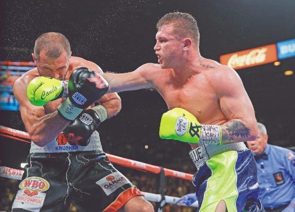 CAMPEÓN. El Canelo no descartó volver a pelear en las 175 libras. Foto: AP