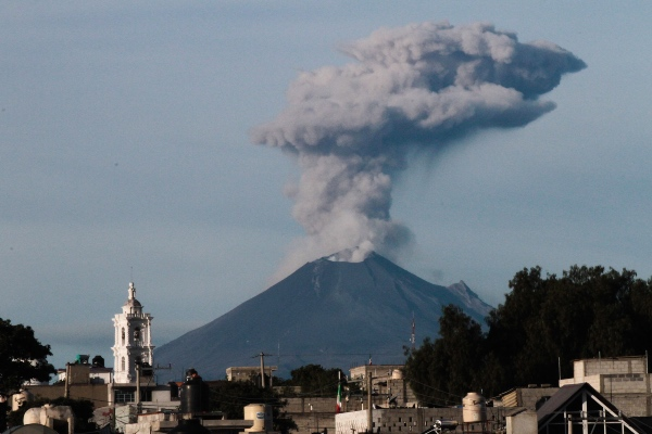 Volcan_Popocatepetl_ceniza_3_noviembre