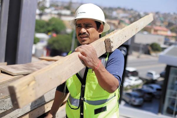 PADRÓN. Al cierre de agosto estaban registrados 501 mil 127 trabajadores en el sector. Foto: NOTIMEX