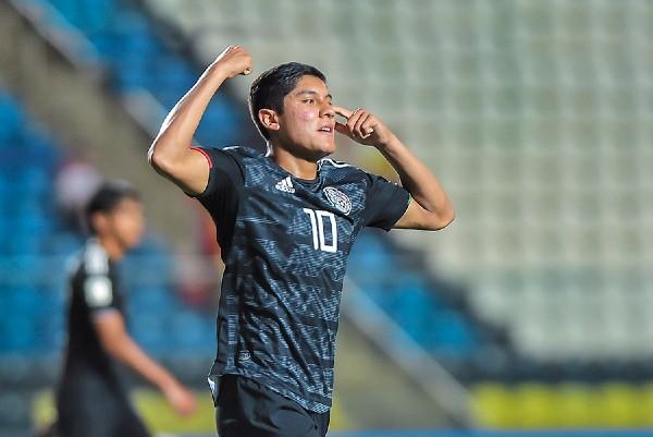 PROMESA. Israel Luna, la joya del Pachuca, entró de cambio e hizo dos goles. Foto: Mexsport