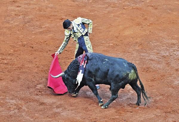 MADURO. José María Hermosillo templó al toro con el que tomó la alternativa. Foto: Pablo Salazar Solís