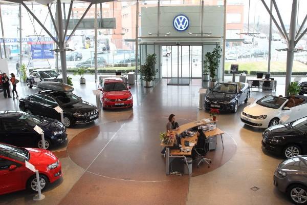 La industria automotriz ve una baja de 30%, en caso de regular los vehículos importados ilegalmente. Foto: Especial