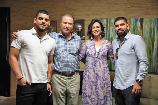 LOGRO. Los peloteros estuvieron acompañados también por la esposa de Ordaz, Rosy Fuentes. Foto: Especial