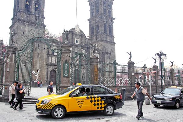 DATO. La diputada del PES afirma que en el estado operan taxis piratas o con placas chocolate. Foto: Enfoque