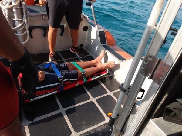 Una vez que localizaron la persona, los nadadores efectuaron su rescate. Foto: Especial