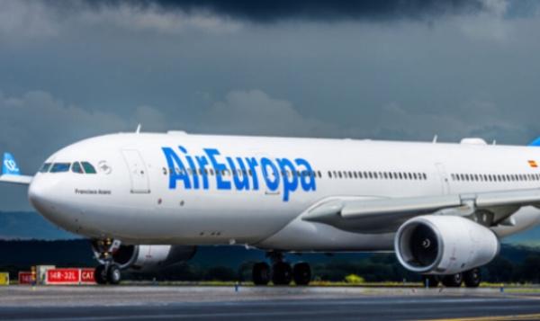 La compañía Air Europa explicó a través de su cuenta de Twitter que todo se trató de un fallo técnico. FOTO: Especial