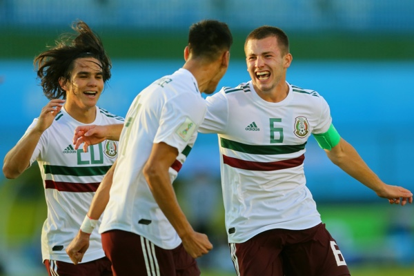 Eugenio Pizzuto logró el primer gol de México. Mexsport