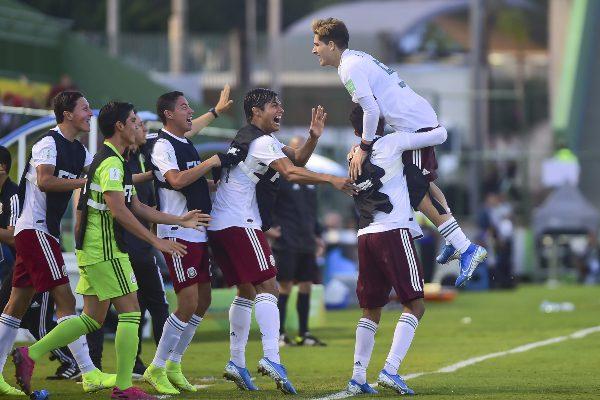 MOTIVADOS. Los tricolores superaron en todas las líneas a los nipones, para llevarse la clasificación. FOTO: MEXSPORT
