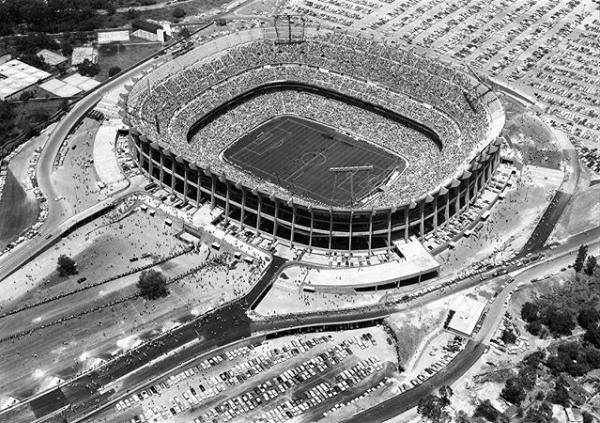 Estadio Azteca el día de su inauguración el 29 de mayo de 1966. Foto: @archivomx.