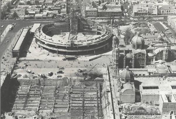 Vista aérea de la construcción de la Basílica de Guadalupe en el año 1975. Foto: @archivomx.