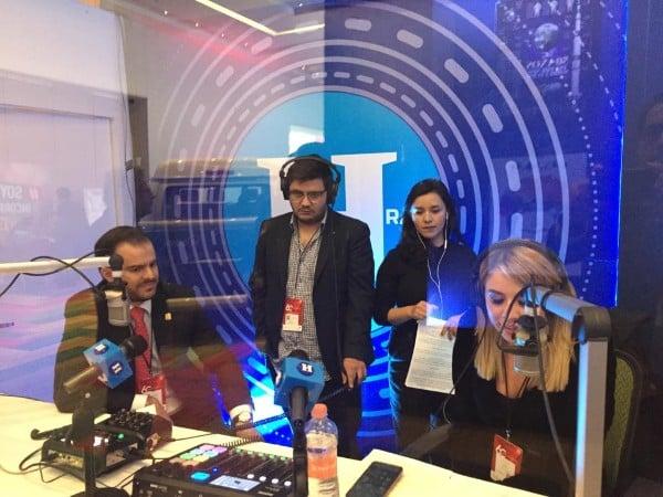 Adrian Laris en entrevista con blanca Becerril desde la 60 Semana de la Industria de la Radio y la Televisión en el WTC CDMX. FOTO: ESPECIAL
