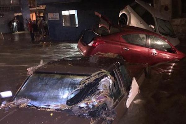 lluvias monterrey inundaciones caos vial trafico