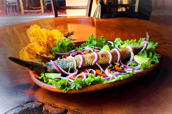 Un platillo típico de Tabasco es el Pejelagarto al mojo o a la leña. Foto: Especial