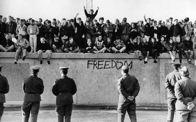 Las construcciones del Muro de Berlín iniciaron el 13 de agosto de 1961. Foto: Especial.