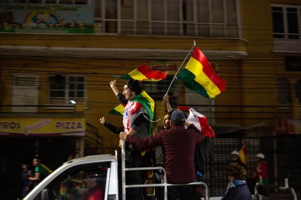 En las calles bolivianas continúa la incertidumbre de qué pasará. Foto: Notimex