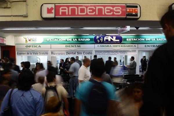 La cultura es accesible para todos en la Red del Metro. Foto:  Cuartoscuro.