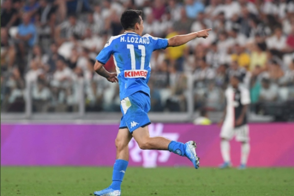 Hirving Lozano, jugador del Napoli. Foto: @sscnapoliES