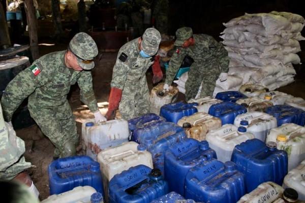 Los efectivos militares procedieron al aseguramiento del lugar. Foto: Especial