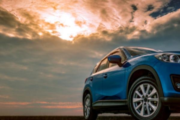 Uso de autos eléctricos e híbridos disminuye nuestra huella de carbono