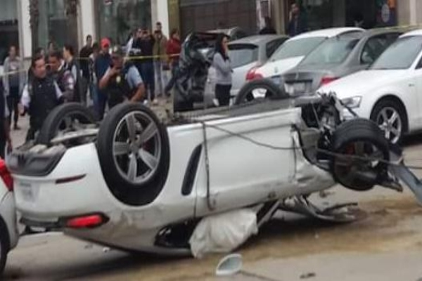 porche_accidente_vial_auto_leon