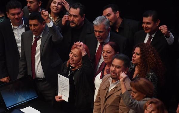 FRENTE ABIERTO. PAN, PRI, ONG y exconsejeros de la CNDH van a ir ante la Corte. Foto: Pablo Salazar Solís