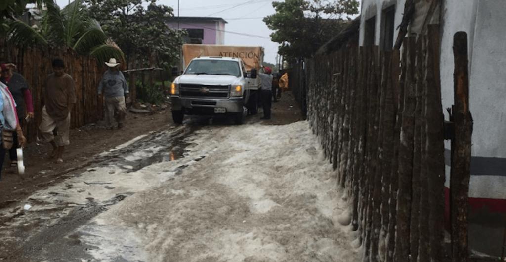 TEMOR. La densa sustancia obligó a cientos de personas a abandonar sus hogares. Foto: Especial
