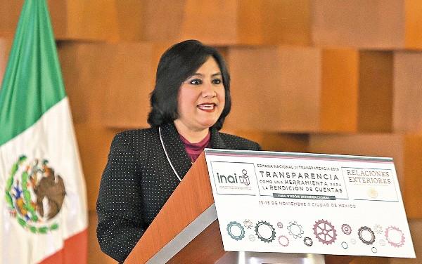 PROMOCIÓN. La titular de la Función Pública acudió a la Semana de la Transparencia.  Foto: NOTIMEX
