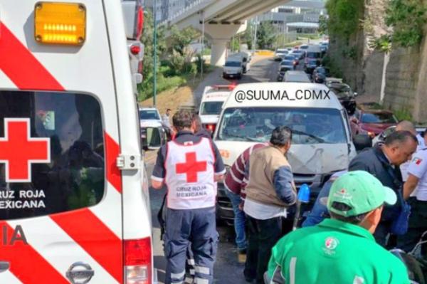 El accidente ocurrió en la calle Bosque de Palma Dátil. FOTO: @SUUMA_CDMX