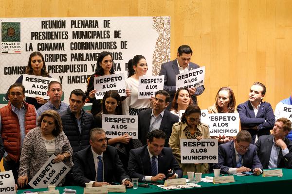 amlo-diputados-confundido-peticiones-presupuesto-2020-alcaldes-municipios-felix-alberto-linares