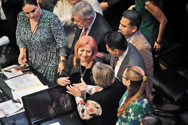 CUESTIONADA. Rosario Piedra rindió protesta ante el Pleno del Senado esta semana. Foto: Pablo Salazar Solís