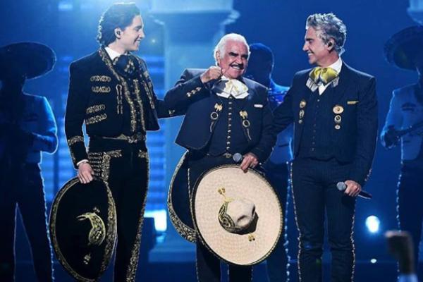 Vicente, Alejandro y Alex Fernández,