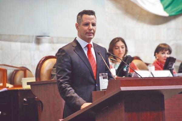 FUTURO. Alejandro Murat aseguró que la entidad va por el camino correcto del desarrollo. Foto: Especial