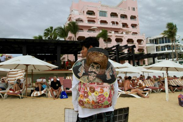 DESTINO. La lluvia no ahuyenta al turismo en Los Cabos. Foto: NOTIMEX