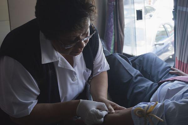 cdmx_enfermeras_medicos_contratacion_cemtros_salud